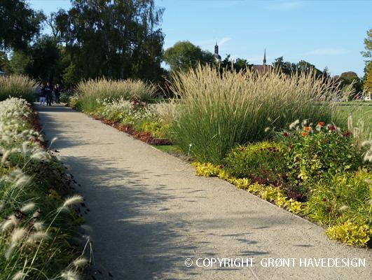 1) Grupper af planter som har et lavt plejeniveau